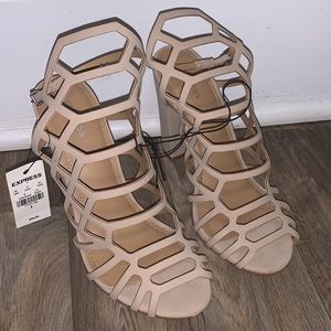 Express size 8 heels nude tan shoes